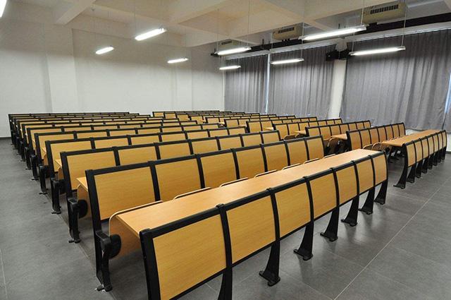 高中大学 钢木学生课桌椅联排