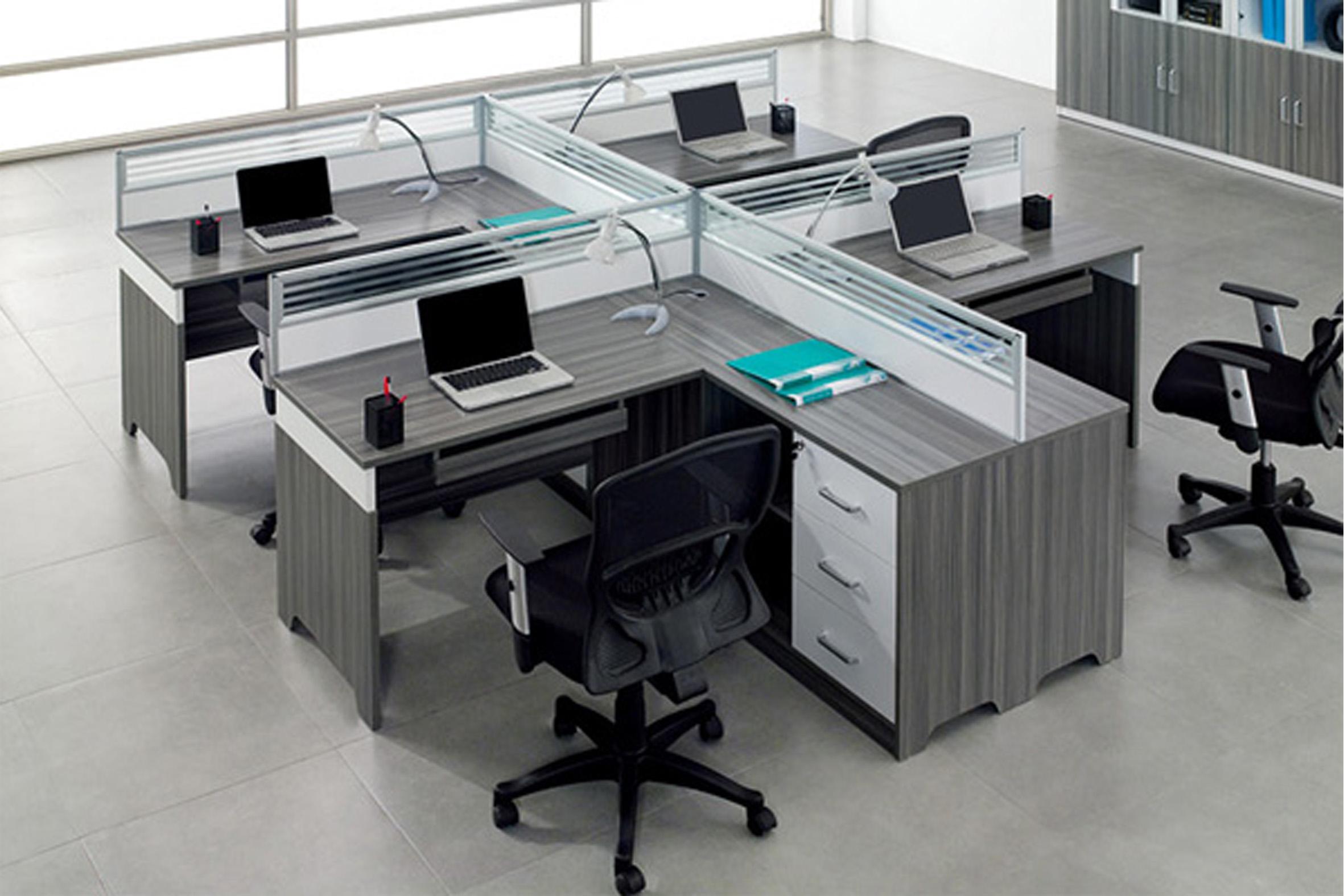 南京办公桌隔断厂家教你办公桌隔断怎么布置